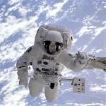 山崎直子宇宙飛行士が履いた宇宙のくつ下でブーツの臭いも安心!消臭効果の秘密