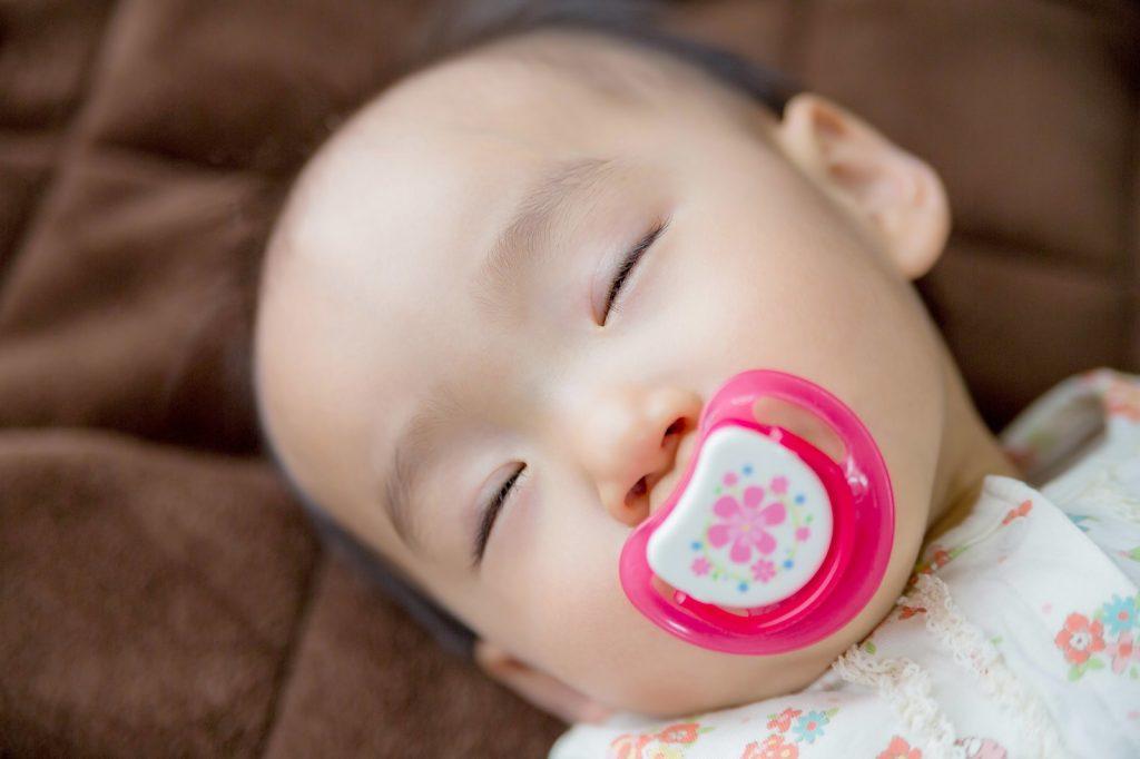 赤ちゃん仰向け寝