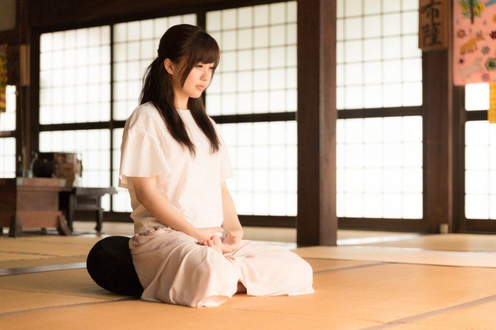 座禅女性お寺