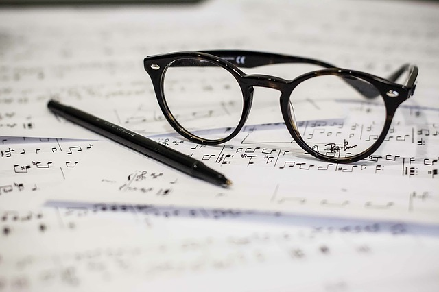 眼鏡 音楽 楽譜