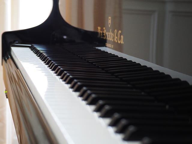 ピアノ 楽器