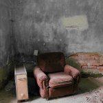 江戸川乱歩「人間椅子」のあらすじ【ネタバレあり】|椅子の中の恋とは?