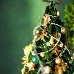 B'z「いつかのメリークリスマス」 歌詞の意味|椅子の解釈・2人の別れの原因とは?